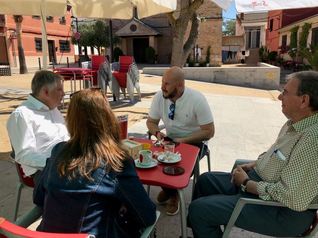 Cañizares_visita_Valverde_y_al_alcalde_pedáneo_junto_a_miembros_de_su_candidatura